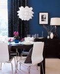 O azul aprofunda e sofistica a sala